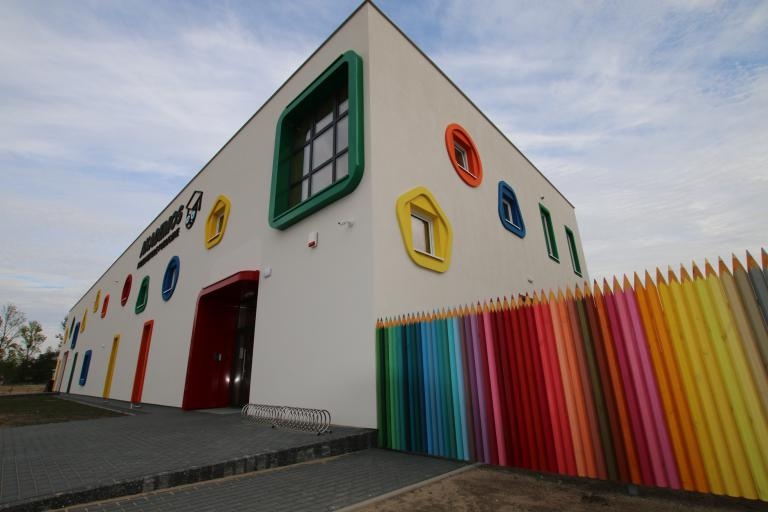 Toilet cubicles and lockers for pre-schools and schools